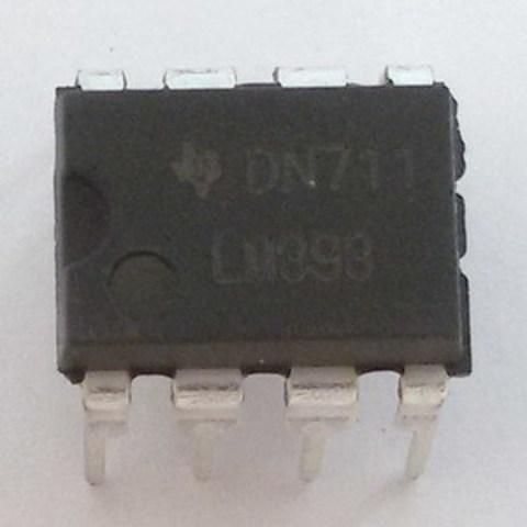 Компаратор напряжения LM393N, DIP8