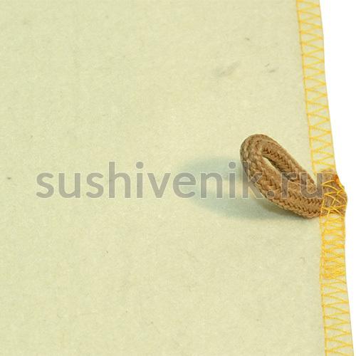 Белый коврик с желтой каймой
