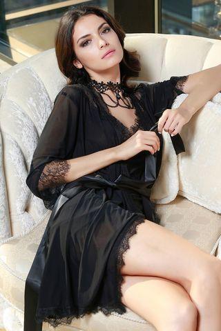 Коротенький халатик Glamour с кружевным декором
