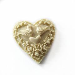 0825 Молд силиконовый. Сердце с голубями.