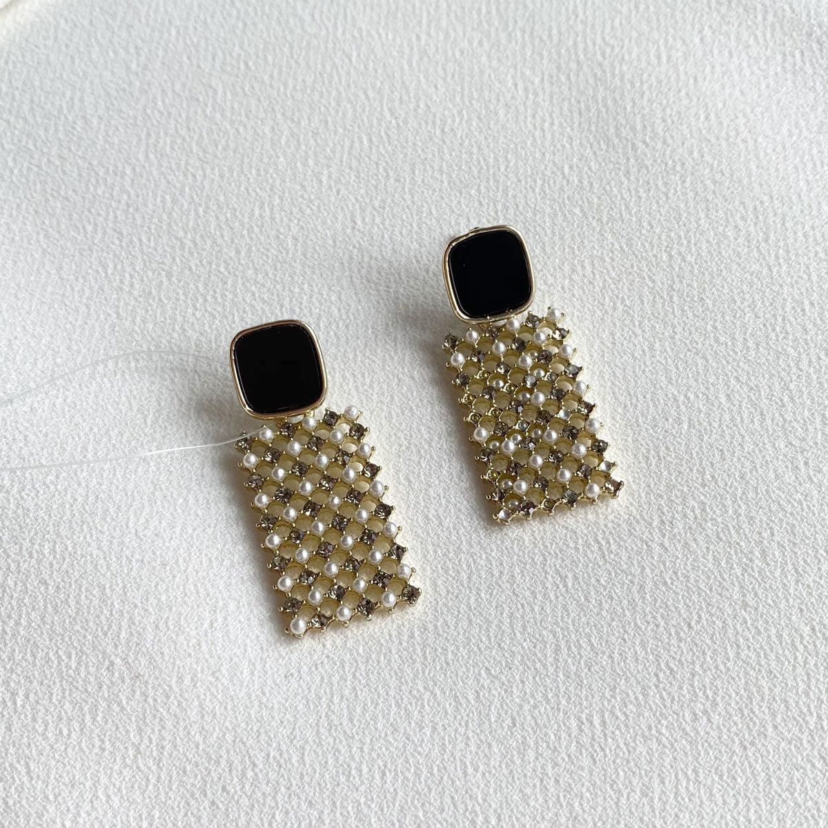 Серьги с прямоугольной кристальной подвеской (черный)