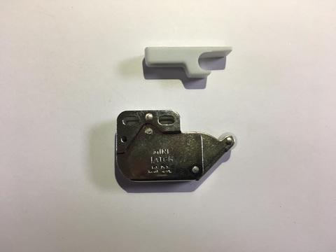 Нажимная защелка для люков Hafele Mini Latch