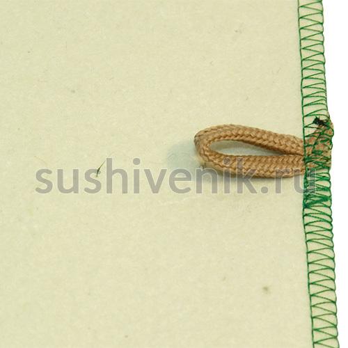 Белый коврик с зеленой каймой