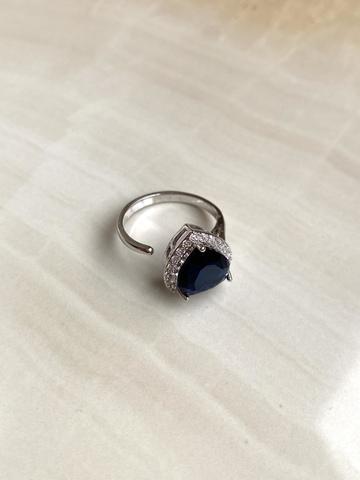 Кольцо Аквахарт с синим сердцем, серебряный цвет