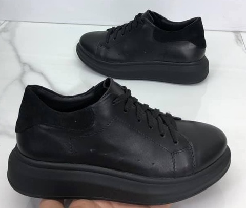 Черные кожаные кеды кроссовки женские.
