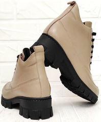 Женские кожаные ботинки на толстом каблуке Yudi B-20 082 Beige.