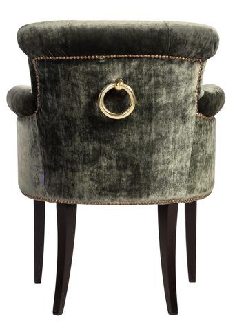 кресло с кольцом на спинком