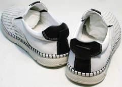 Модные белые туфли полуспортивные слипоны с перфорацией мужские Ridge Z-441 White Black.