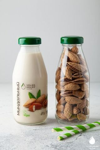 Молоко растительное VolkoMolko «Миндальное» 0,3 л
