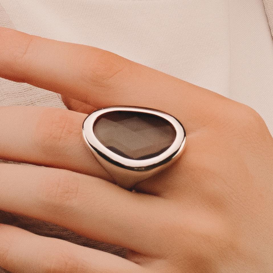 Кольцо с крупным каплевидным кристаллом (серый)