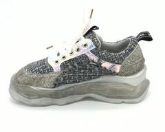 Серые комбинированные кроссовки с эффектной шнуровкой