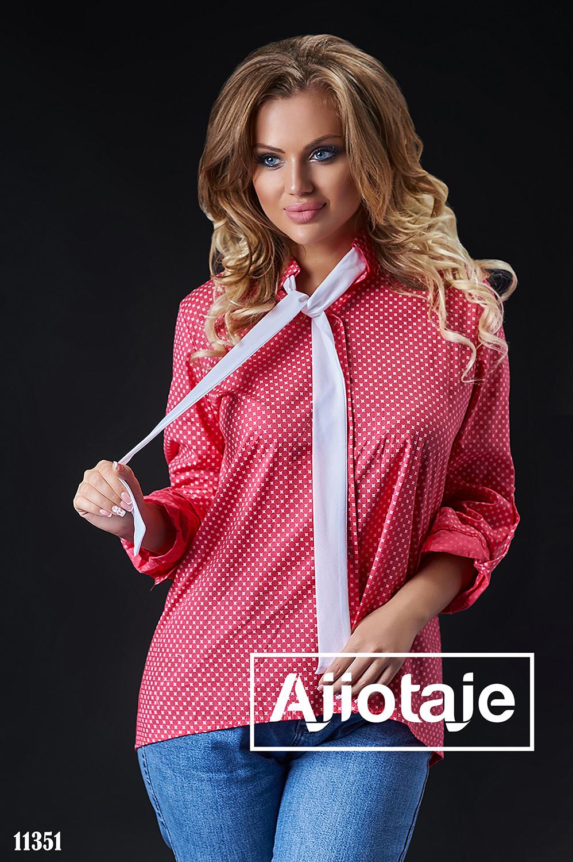 Рубашка кораллового цвета с галстуком