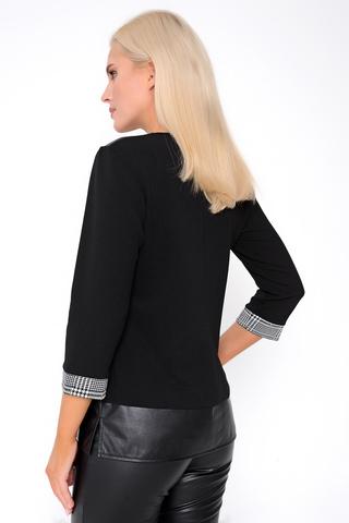 <p>Стильный блузон из трикотажа разных фактур, плюс отделка из эко-кожи. Отлично сочетается с брюками и джоггерами из эко-кожи из новой коллекции осень-зима 2020-21.</p>
