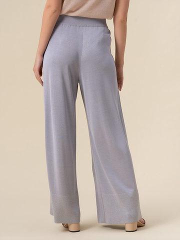 Женские брюки-клеш светло-серого цвета из шелка и вискозы - фото 3