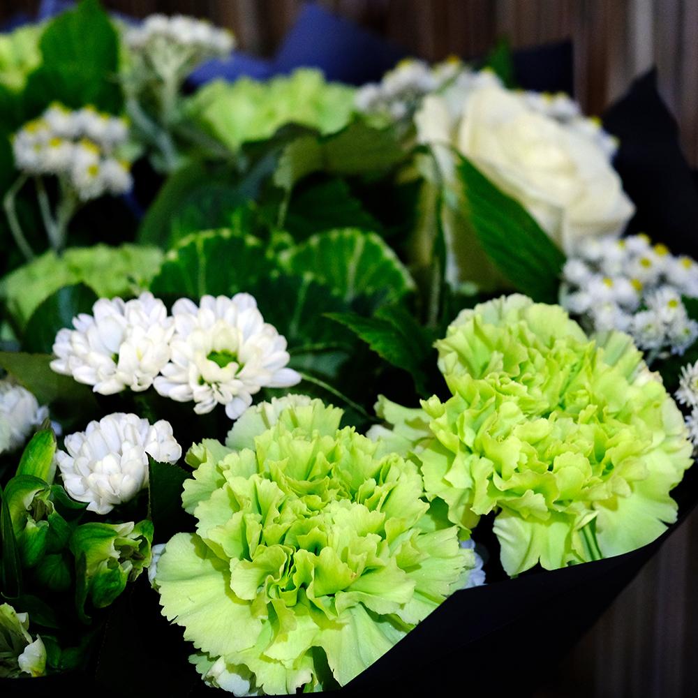 Купить букет зеленые гвоздики Пермь