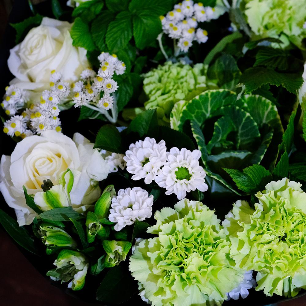Купить бело зеленый букет Пермь