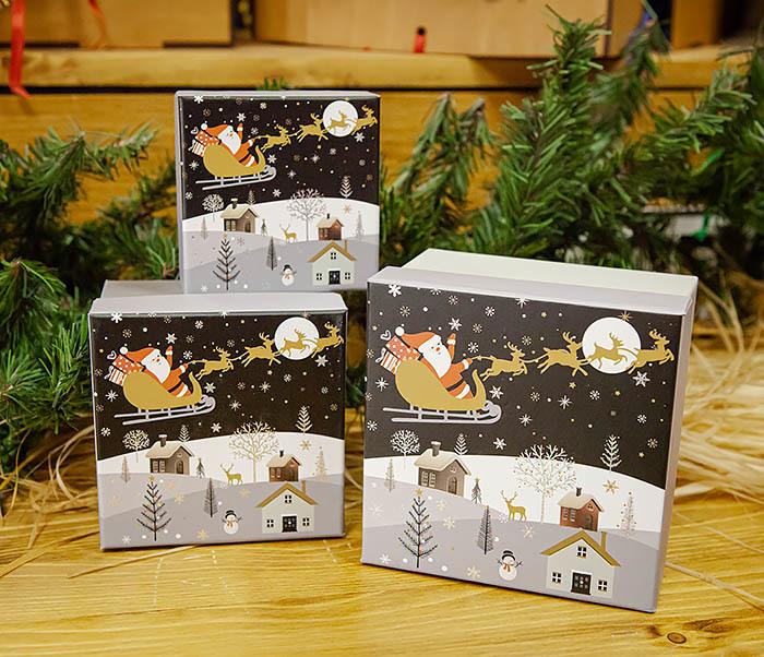 BOX261-3 Новогодняя коробка для подарков «Дед Мороз на санях» (13*13*9 см) фото 07