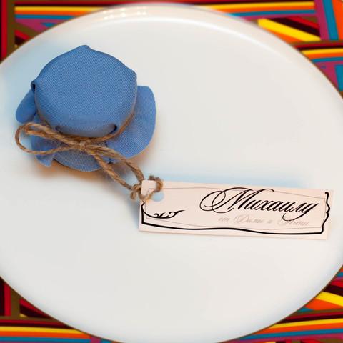 Именная бонбоньерка с медом на свадьбу с рассадочной карточкой, 35 грамм