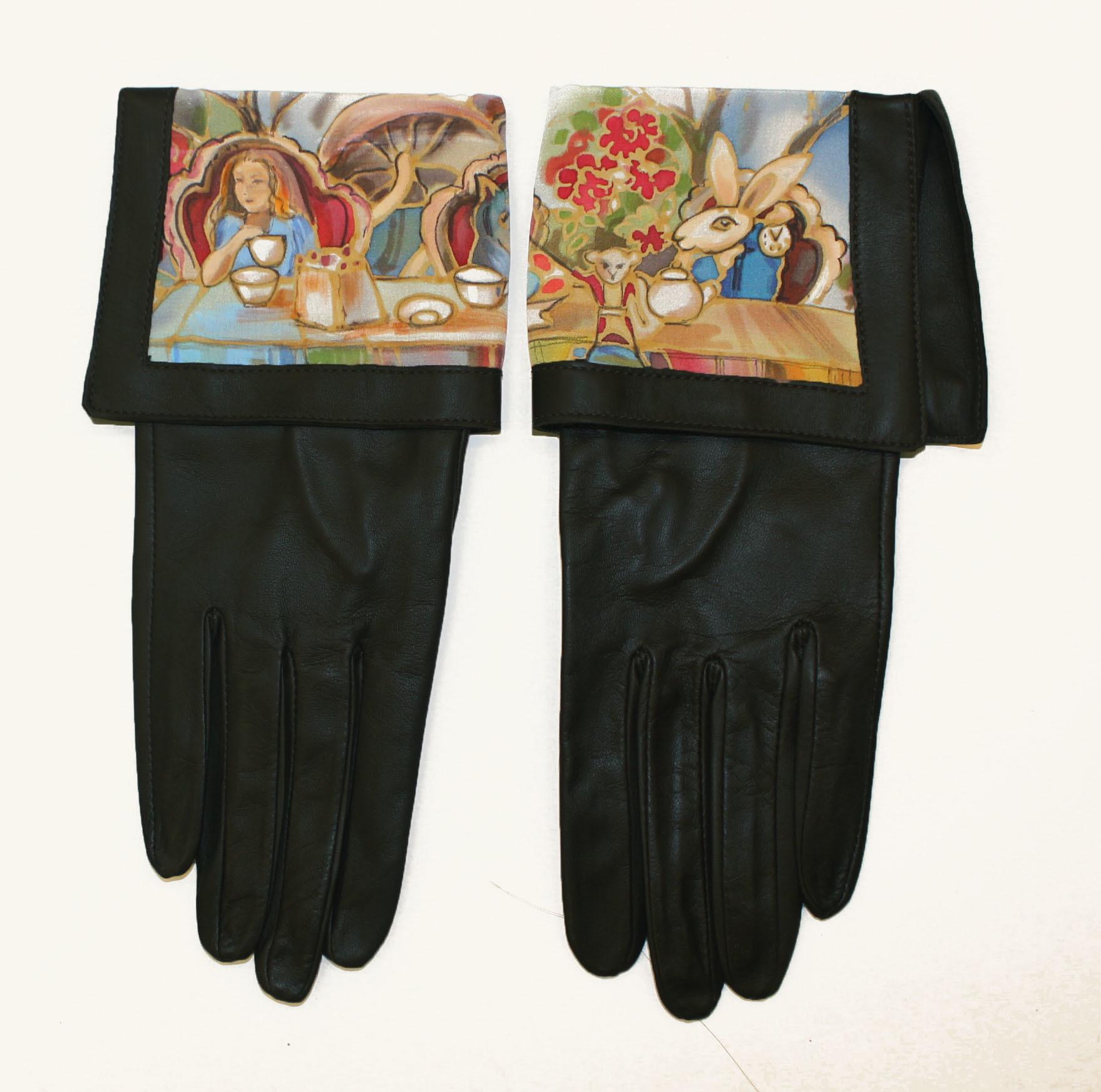 Перчатки Алиса в стране чудес PR-01