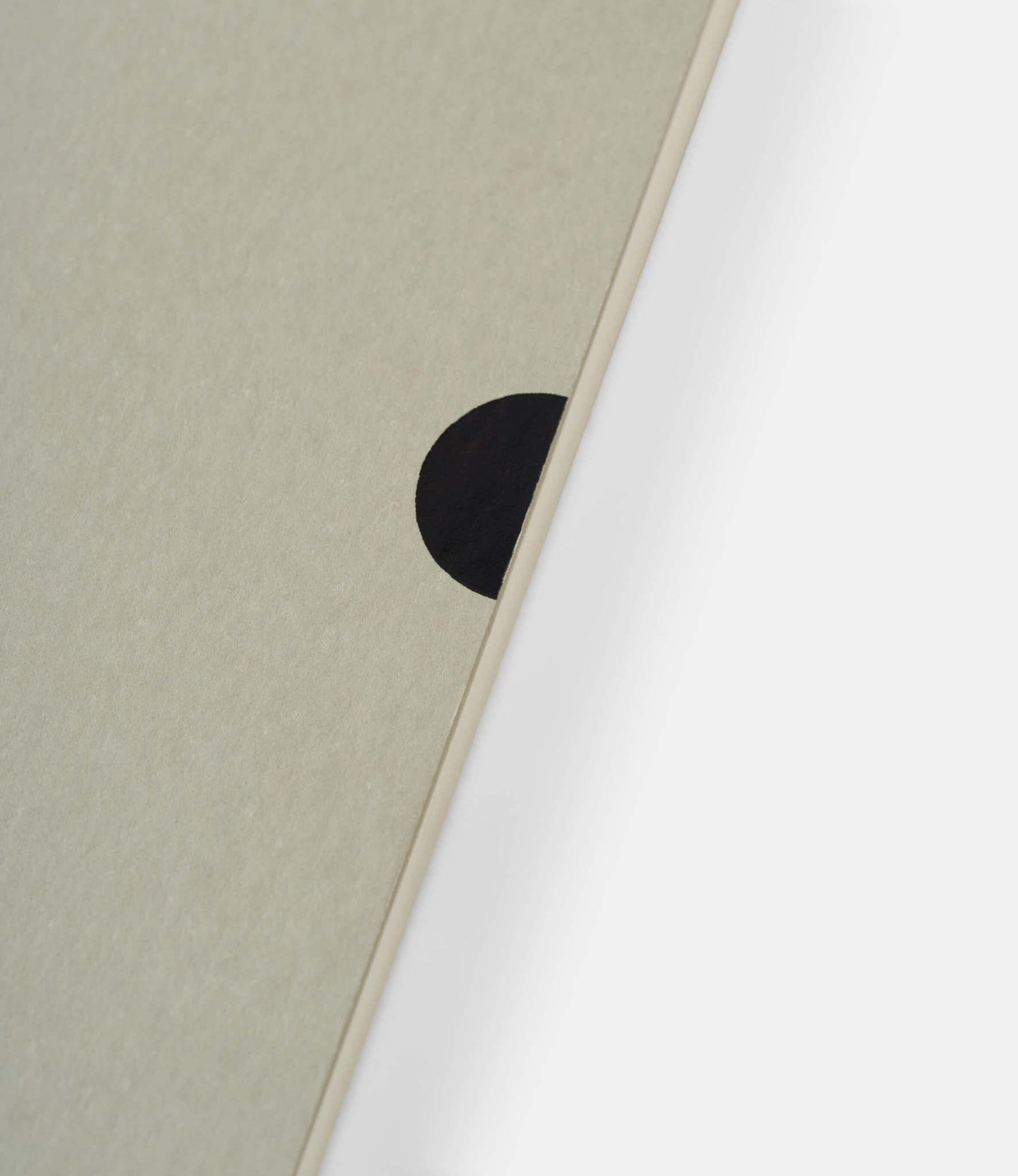 Mark+Fold Plain Notebook — нелинованный блокнот А5: серый