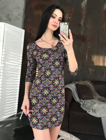 Гала. Молодежное облегающее платье мини. Яркий узор
