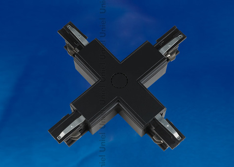 UBX-A41 BLACK 1 POLYBAG Соединитель для шинопроводов Х-образный. Цвет — черный. Упаковка — полиэтиленовый пакет.