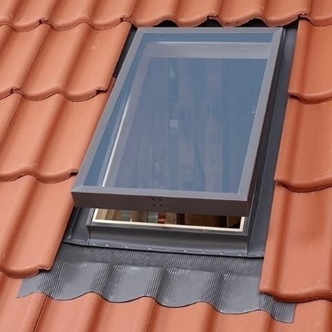 VLT окно-люк 85х85