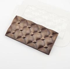 Пластиковая форма для шоколада ср. ПЛИТКА СТЕГАННАЯ ПОВЕРХНОСТЬ С СЕРДЕЧКАМИ 150х78мм