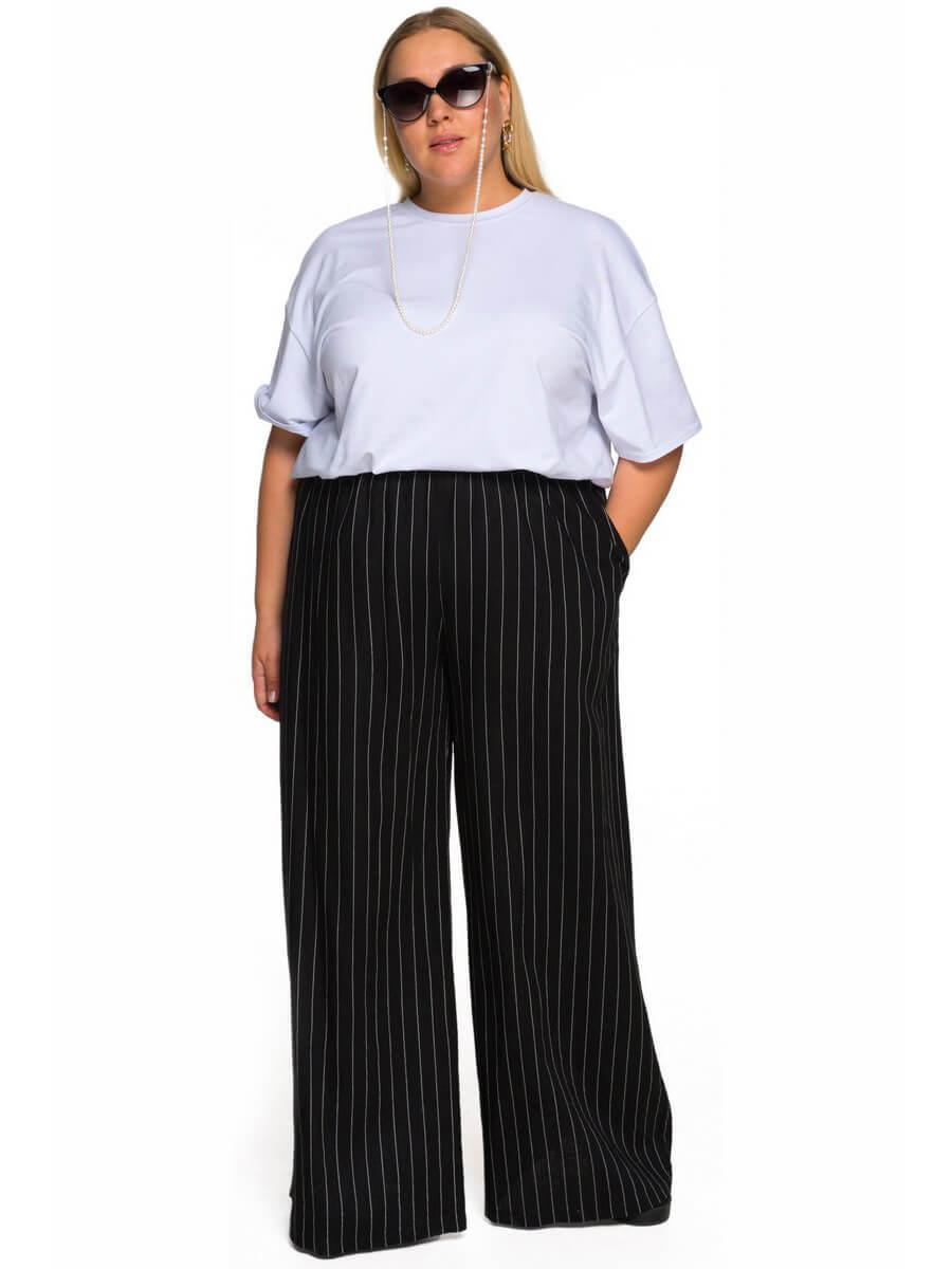 Широкие брюки черные в полоску