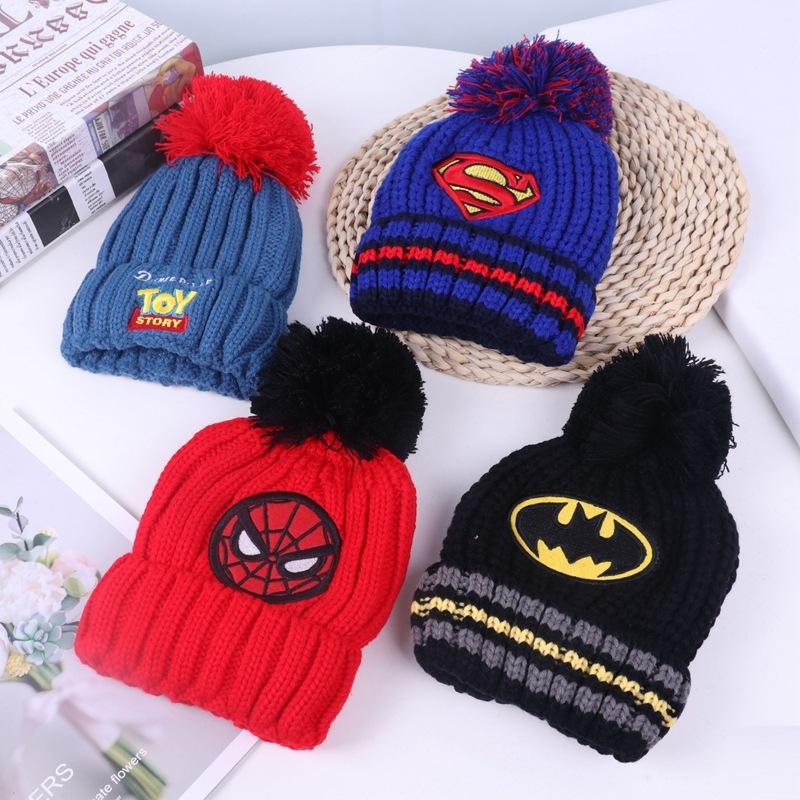 Детская шапка с логотипом Супергероя