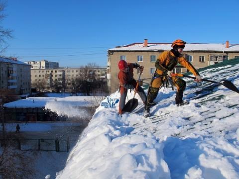 Очистка крыш от снега и наледи