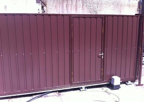 Откатные ворота с калиткой 5000х2000
