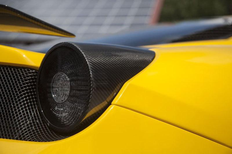 Карбоновые накладки на фонари для Ferrari 458 Speciale