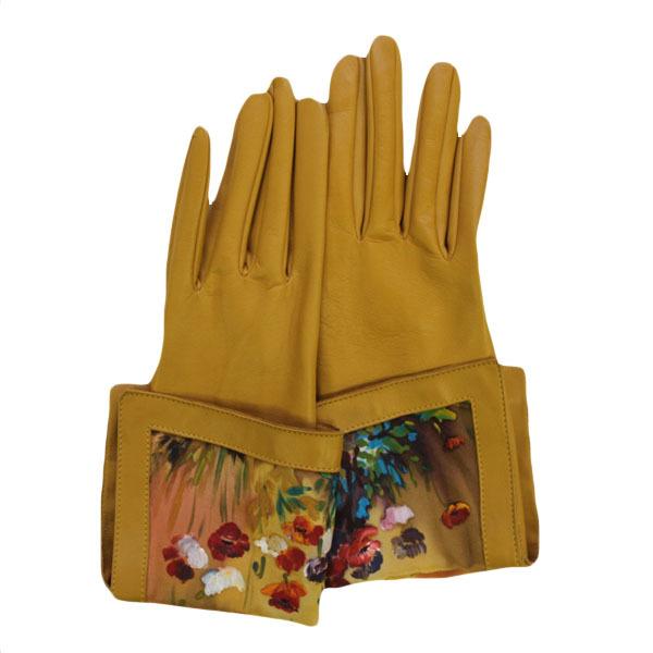 Перчатки светлые Маки