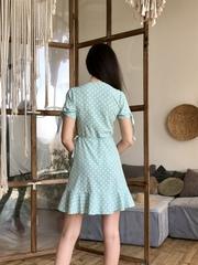 Марта. Літнє плаття на запах з воланами. М'ята горох