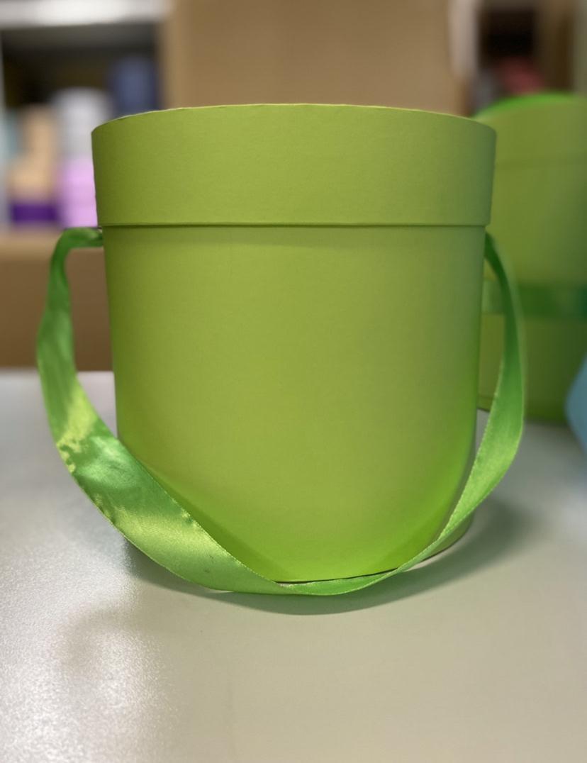 Шляпная коробка эконом вариант 22,5 см Цвет: Зеленый  . Розница 400 рублей .
