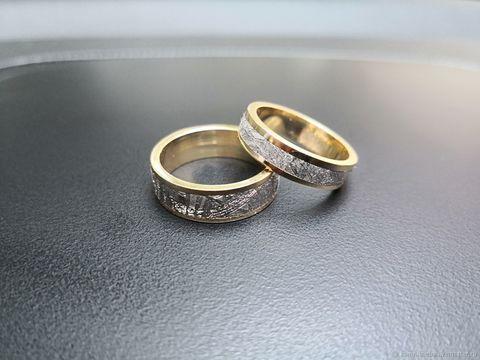 Обручальные кольца из метеорита Муонионалуста с золотом