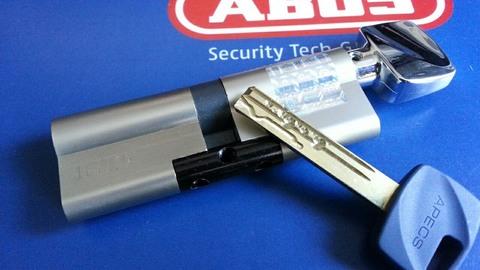 Цилиндровый механизм Apecs Premier XR-70 ключ/ключ