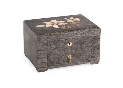 Шкатулка для ювелирных украшений  с лилиями