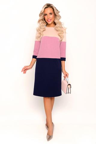 """<p>Платье из трикотажа прямого силуэта. Благодаря вставкам с ярким цветовым ренением платье выглядит особенно нарядным. Кроме того, такое дизайнерское решение отлично стройнит фигуру. Вырез горловины """"лодочка"""". Рукав 3/4.</p>"""