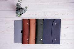 Синий кожаный чехол Gmakin для iPad на кнопках