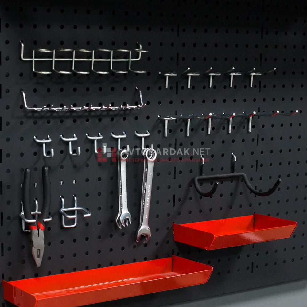 крючки для хранения инструментов на металлической перфорированной панели