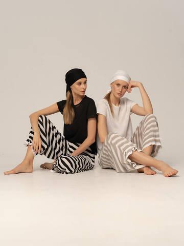 Женские брюки в серо-белую полоску из вискозы - фото 7