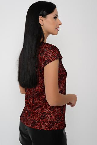 <p>Эффектная блуза с оригинальным принтом. Отлично подойдет для любого торжества. Хорошо сочетается с джоггерами и шортами из эко-кожи и просто юбкой.&nbsp;</p>