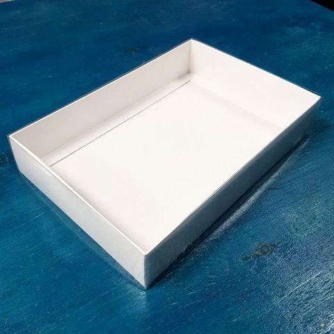 Коробка Классика Белая 22х15х4 см
