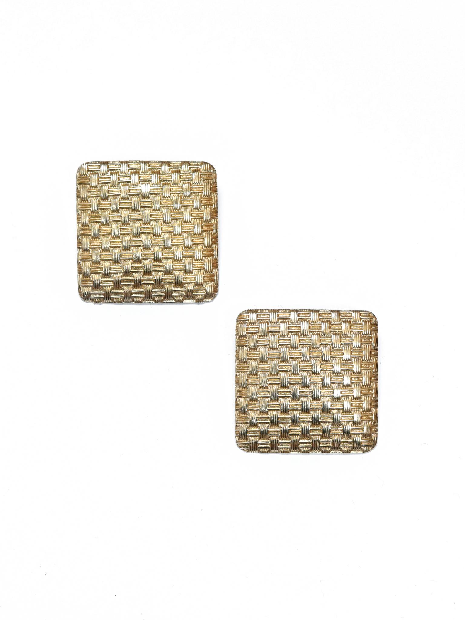 Лаконичные винтажные клипсы из фактурного металла