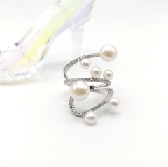 11568- Кольцо спираль из серебра с жемчугом в стиле APM MONACO