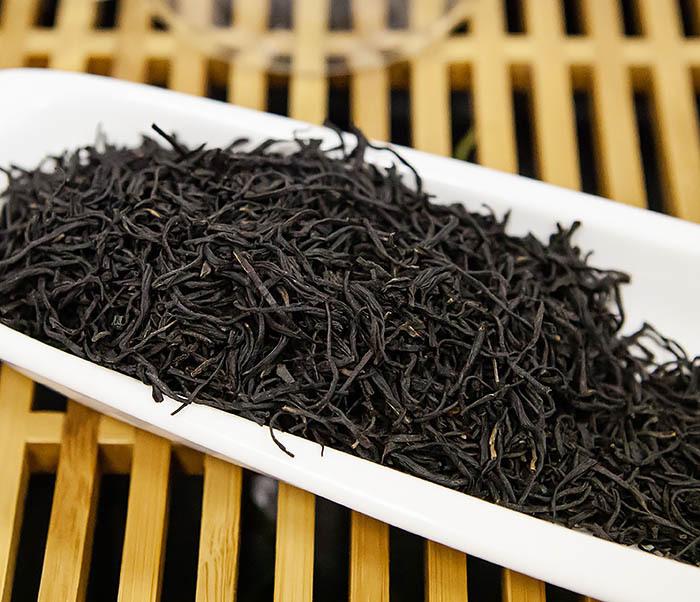 TEA-CH108-2 Красный чай «Чжэнь Шань Сяо Чжун» (Лапсанг Сушонг,  сорт «ААА», 50 гр) фото 04