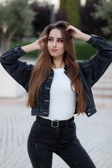 Джинсовая куртка темная короткая недорого
