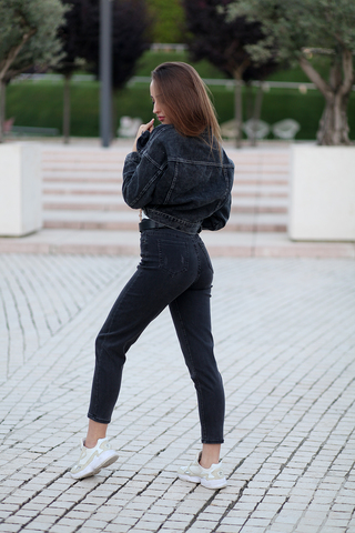 Джинсовая куртка темная короткая оптом